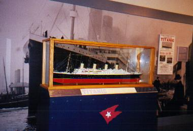 A TITANIC model with a huge picture in the background. On the right you can see an advertisement